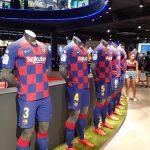 OA Dušní poznávací zájezd - Barcelona, fotbalové dresy.