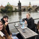 Plavba parníkem po Vltavě.