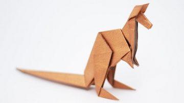 postavička klokana složená z papíru